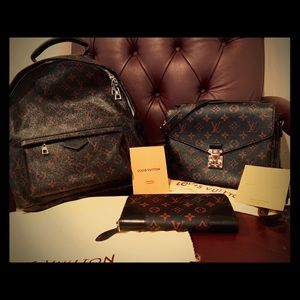New LV Set Métis remefouge w- backpack and wallet